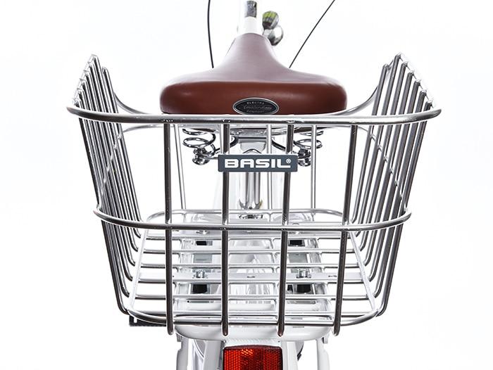 Sykkelpikene har de spesielt fine syklene, hjelmene, sykkelveskene og sykkekurvene. Vi ivrer for sykling, gjerne iført hverdagsklær.